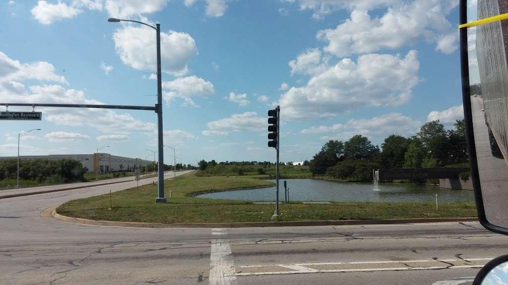 Amazon Fulfillment Center MDW6 - storage  | Photo 10 of 10 | Address: 1125 Remington Blvd, Romeoville, IL 60446, USA | Phone: (800) 288-8714