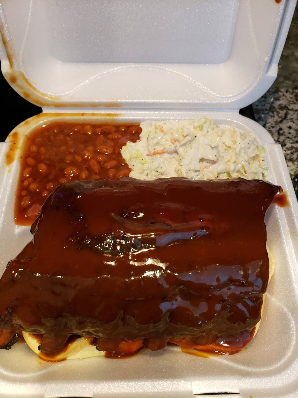 Red Door BBQ - restaurant  | Photo 7 of 9 | Address: 177 S Cypress Ave, Columbus, OH 43223, USA | Phone: (614) 557-7469