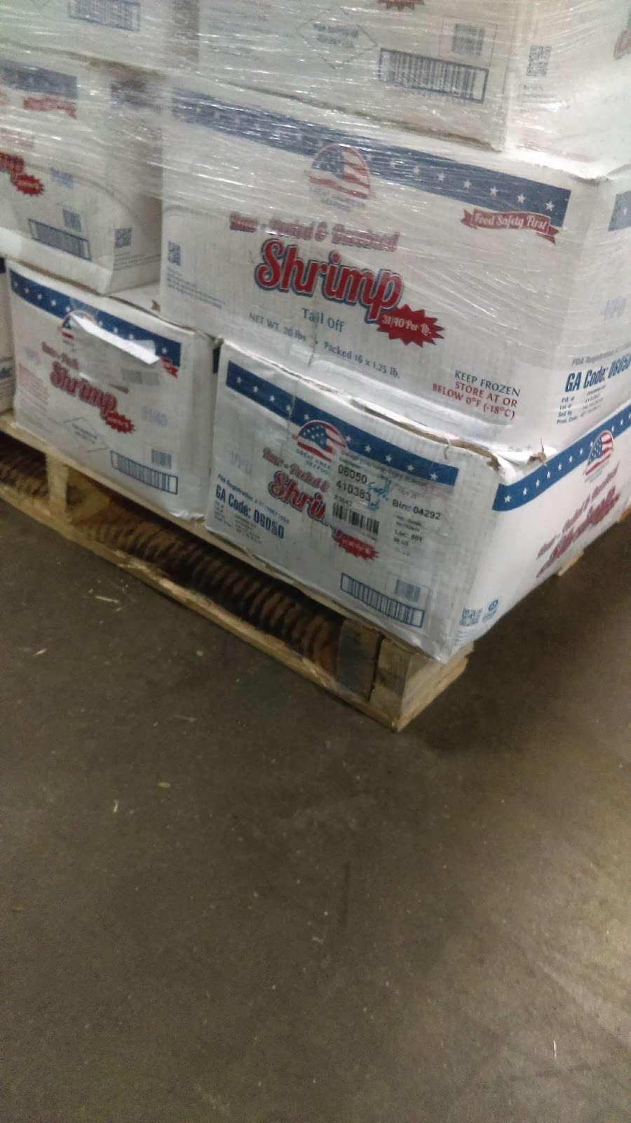 Roundys Supermarkets Distribution Warehouse - storage  | Photo 7 of 10 | Address: 1120 Distribution Ct, Oconomowoc, WI 53066, USA | Phone: (262) 560-3300