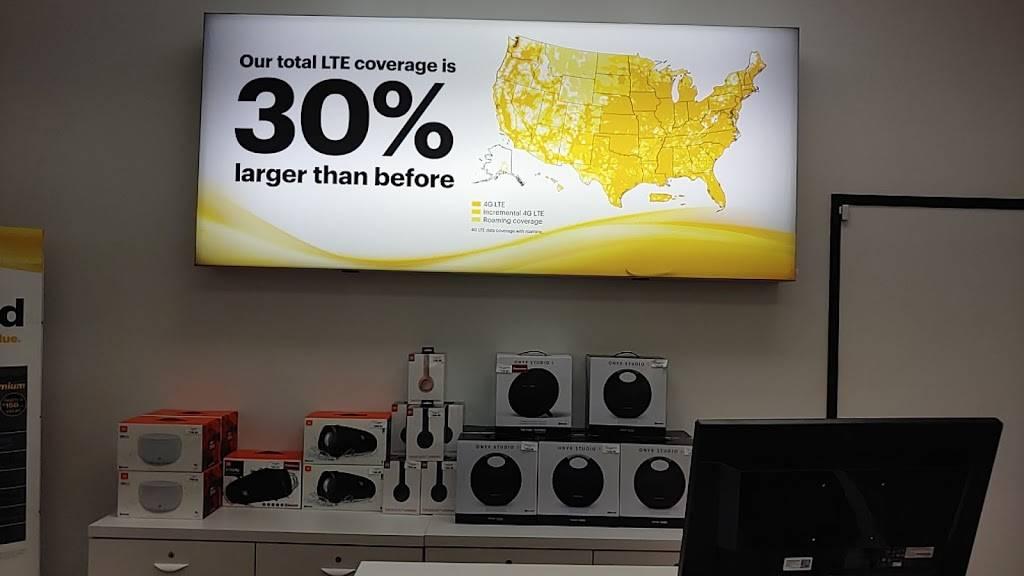 T-Mobile - electronics store  | Photo 4 of 7 | Address: 1050 W Chandler Blvd Ste 5, Chandler, AZ 85224, USA | Phone: (480) 795-5955