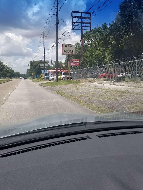Sanchez Tire Shop - car repair  | Photo 5 of 8 | Address: 14720 Kuykendahl Rd, Houston, TX 77090, USA | Phone: (832) 766-0236