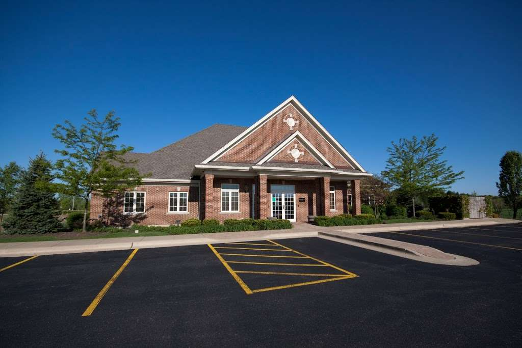 BREIS Barrington RE Investment Services LLC - real estate agency    Photo 4 of 9   Address: 3890 Salem Lake Dr, Long Grove, IL 60047, USA   Phone: (847) 847-7202
