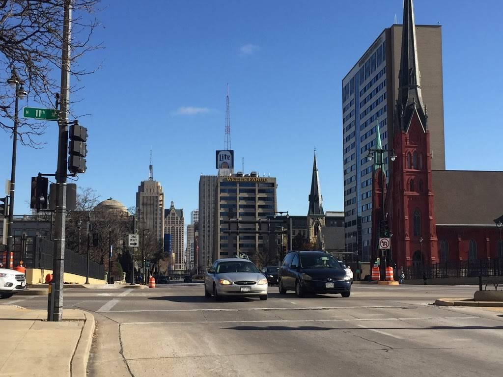Calvary Presbyterian Church - church  | Photo 5 of 10 | Address: 628 N 10th St, Milwaukee, WI 53233, USA | Phone: (414) 271-8782