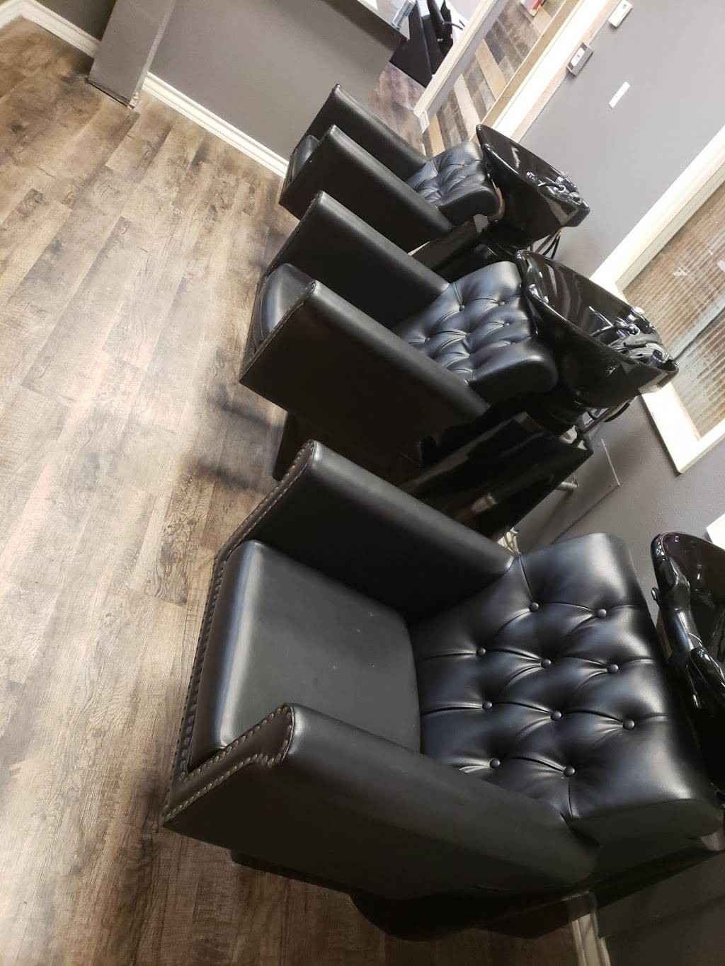 Hair-ippy - hair care  | Photo 1 of 3 | Address: 12111 Frankford Ave, Lubbock, TX 79424, USA | Phone: (806) 787-0191