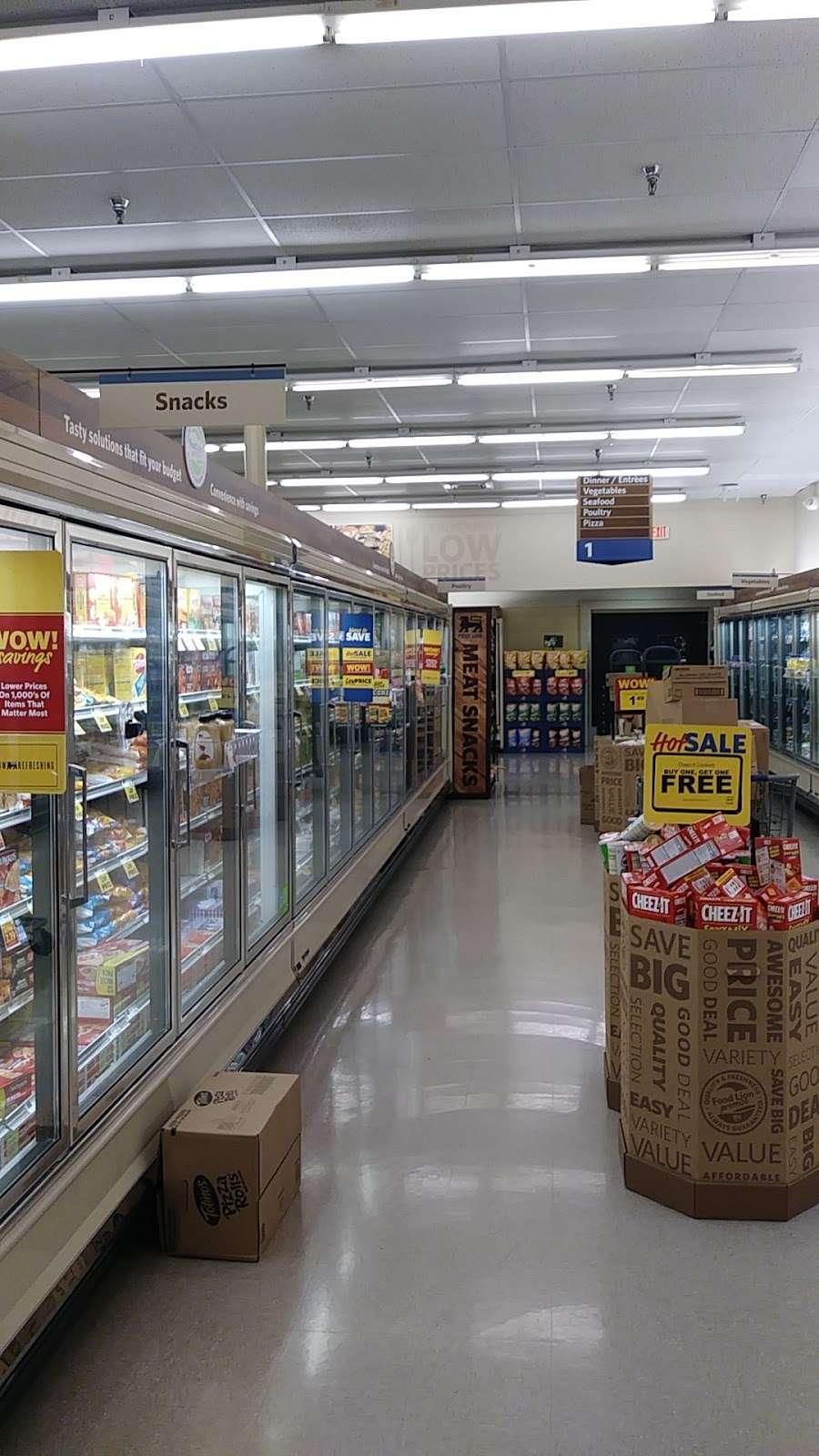Food Lion - store  | Photo 5 of 10 | Address: 709 E McGregor St, Pageland, SC 29728, USA | Phone: (843) 672-7677