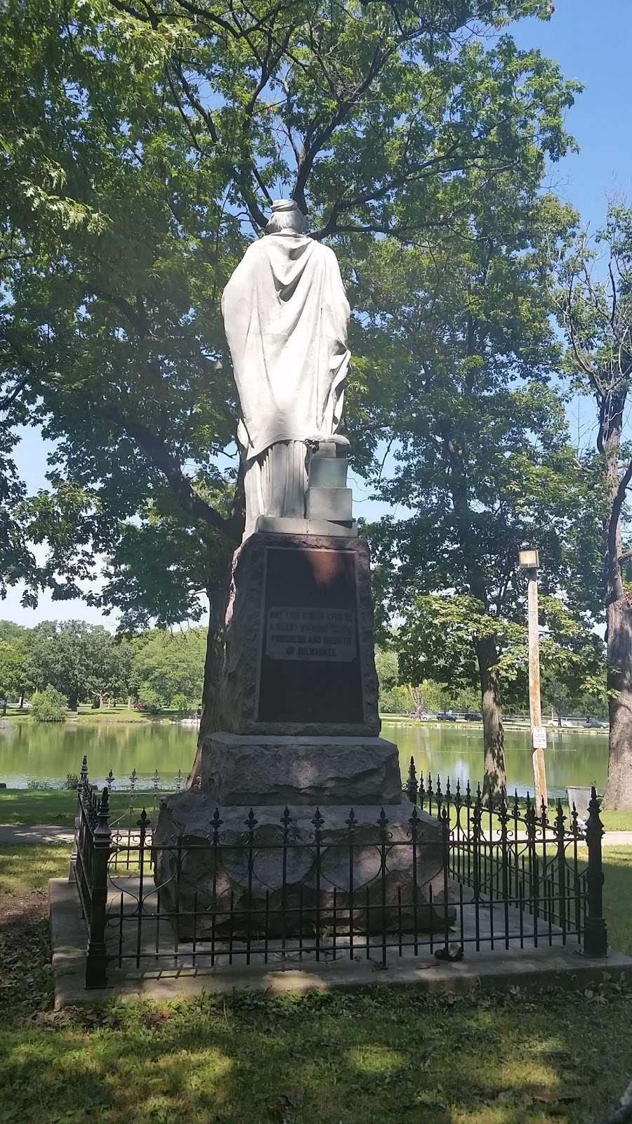 Jackson Park - park  | Photo 10 of 10 | Address: 3500 W Forest Home Ave, Milwaukee, WI 53215, USA | Phone: (414) 257-7275