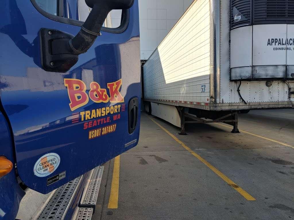 Preferred Freezer Services - storage  | Photo 7 of 10 | Address: 100 Polar Way, Jersey City, NJ 07305, USA | Phone: (201) 915-3800