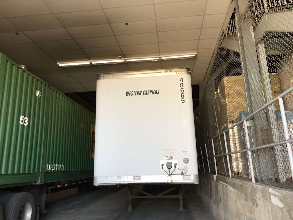 Western Carriers - storage  | Photo 3 of 5 | Address: 2400 83rd St, North Bergen, NJ 07047, USA | Phone: (201) 868-8390