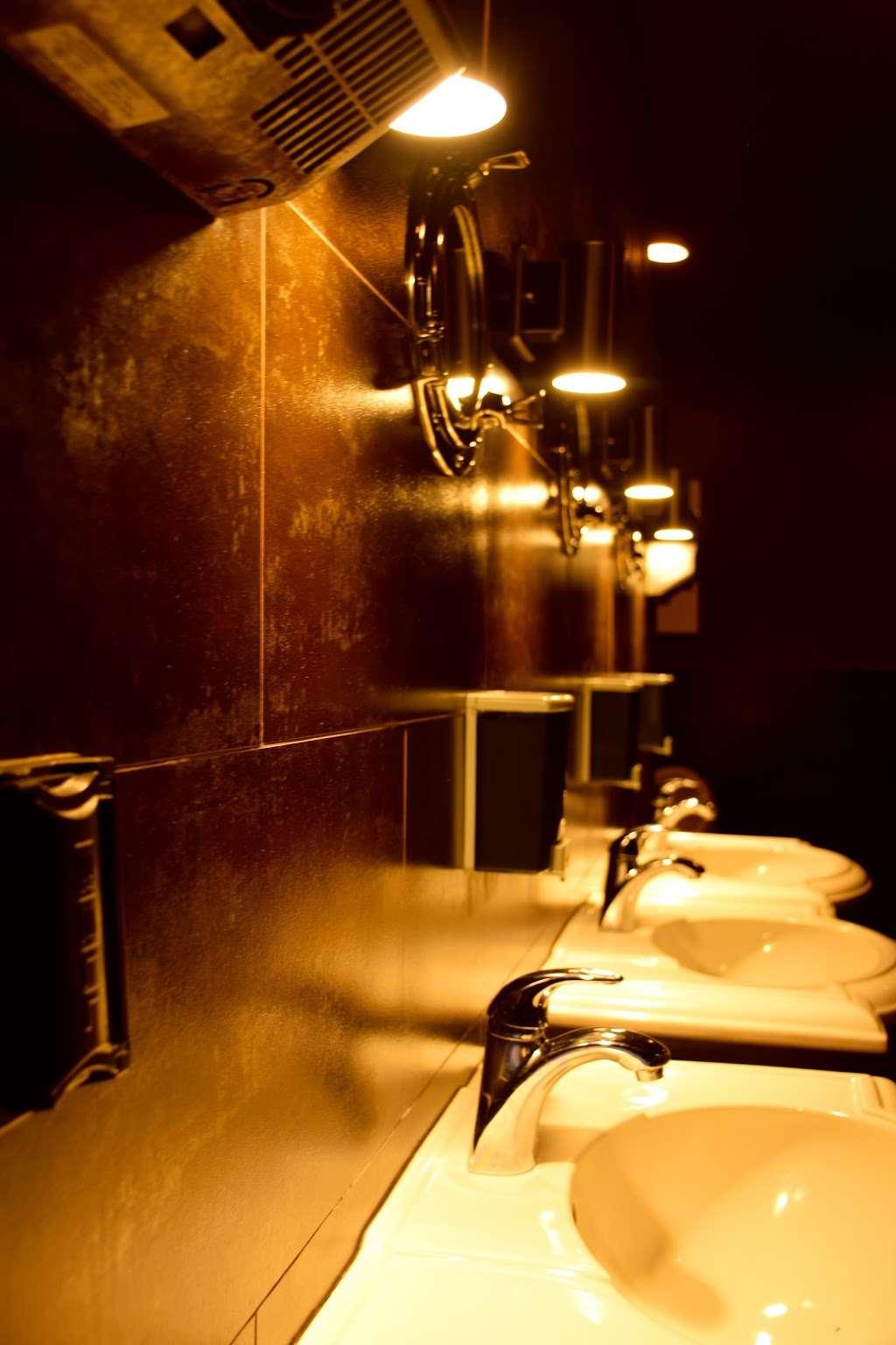 Crew Club - spa  | Photo 8 of 10 | Address: 1321 14th St NW, Washington, DC 20005, USA | Phone: (202) 319-1333