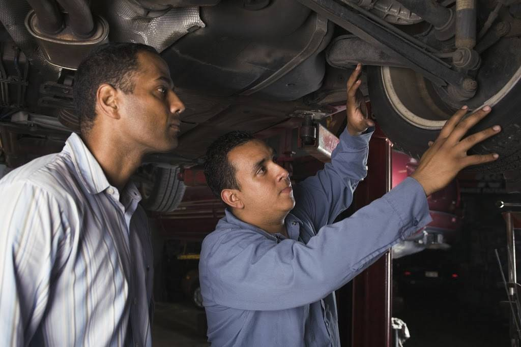 Raaker Tire Service - car repair  | Photo 8 of 9 | Address: 1002 Park Ave, Newport, KY 41071, USA | Phone: (859) 292-0224