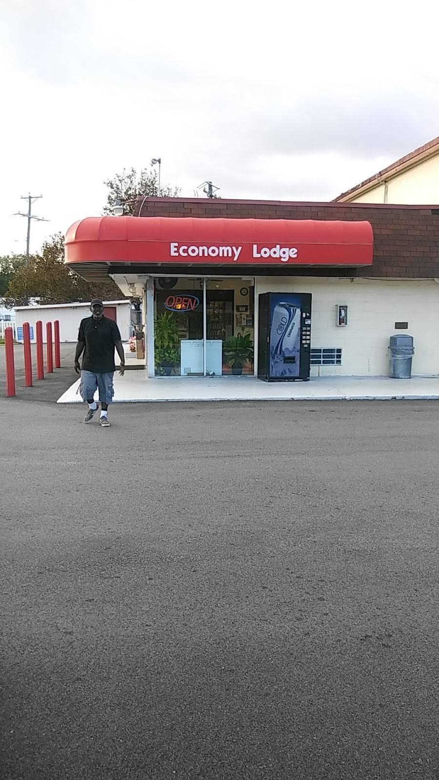 Economy Lodge - lodging  | Photo 2 of 3 | Address: 1015 Broad St, Portsmouth, VA 23707, USA | Phone: (757) 399-6341