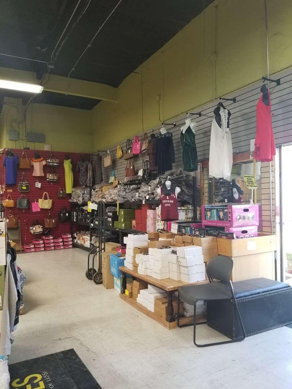Forever Deals - clothing store  | Photo 5 of 10 | Address: 1141 Bay Blvd, Chula Vista, CA 91911, USA | Phone: (619) 575-4555