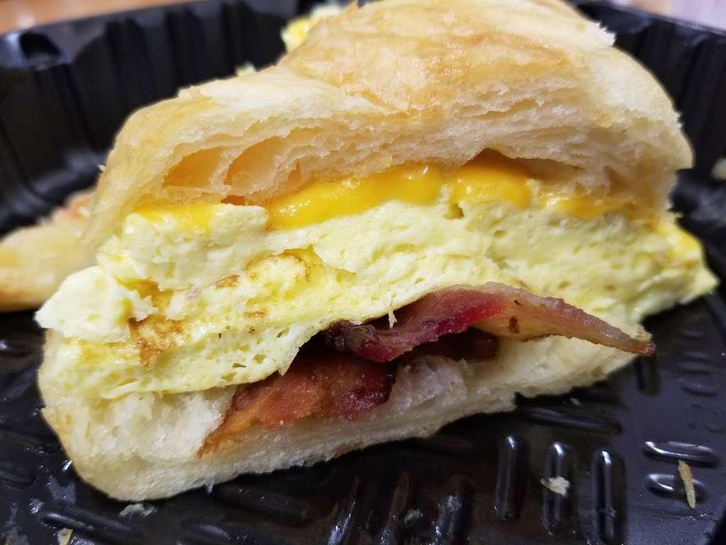 la Madeleine Country French Cafe - cafe  | Photo 3 of 10 | Address: 4140-4204 E Sky Harbor Blvd, Phoenix, AZ 85034, USA | Phone: (602) 275-6582