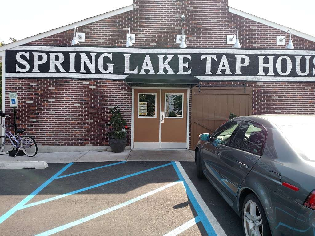 Spring Lake Tap House - restaurant  | Photo 3 of 10 | Address: 810 NJ-71, Spring Lake, NJ 07762, USA | Phone: (732) 282-1530