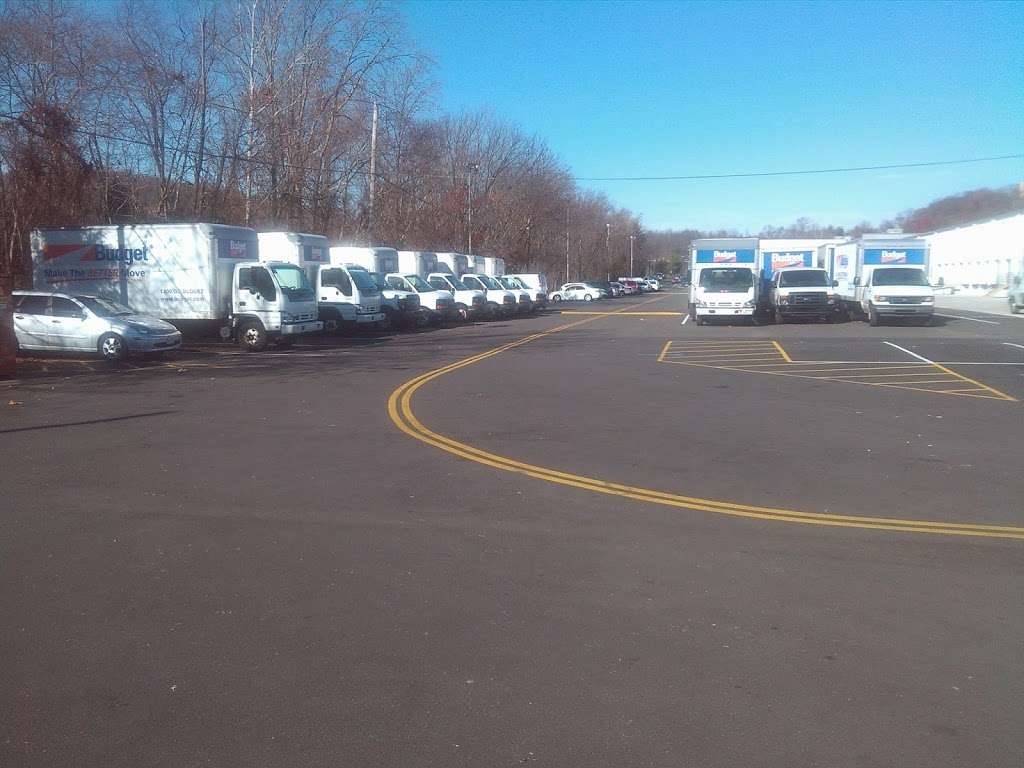 The New Haven Companies, Inc. - moving company    Photo 5 of 9   Address: 6295 Edsall Rd #620, Alexandria, VA 22312, USA   Phone: (703) 823-5516