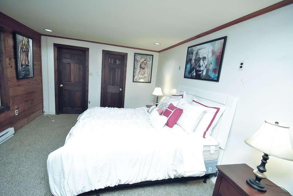 Pocono Casa & Cabanas & Pet Friendly Cabin Rentals - Grand Summi - real estate agency  | Photo 5 of 10 | Address: 151 Terrace Dr, East Stroudsburg, PA 18301, USA | Phone: (718) 303-0448