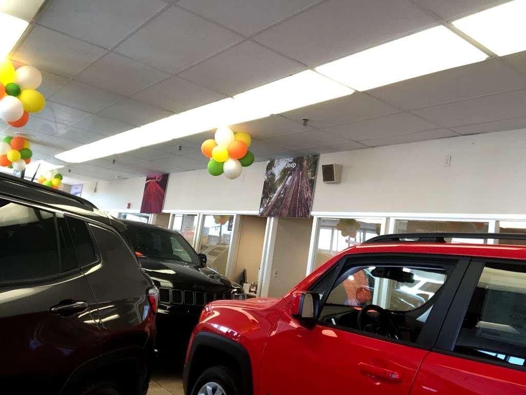 Teterboro Chrysler Jeep Dodge RAM - car repair  | Photo 5 of 10 | Address: 469 US-46, Little Ferry, NJ 07643, USA | Phone: (201) 440-0222