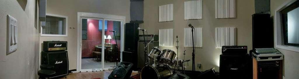 L & I Studios LLC - electronics store  | Photo 1 of 1 | Address: 47-51 John Fitzgerald Kennedy Blvd, Bayonne, NJ 07002, USA | Phone: (201) 471-2068