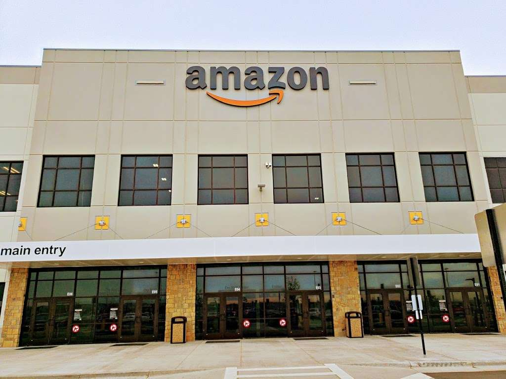 Amazon Fulfillment Center DEN3 - storage  | Photo 2 of 10 | Address: 14601 Grant St, Thornton, CO 80023, USA