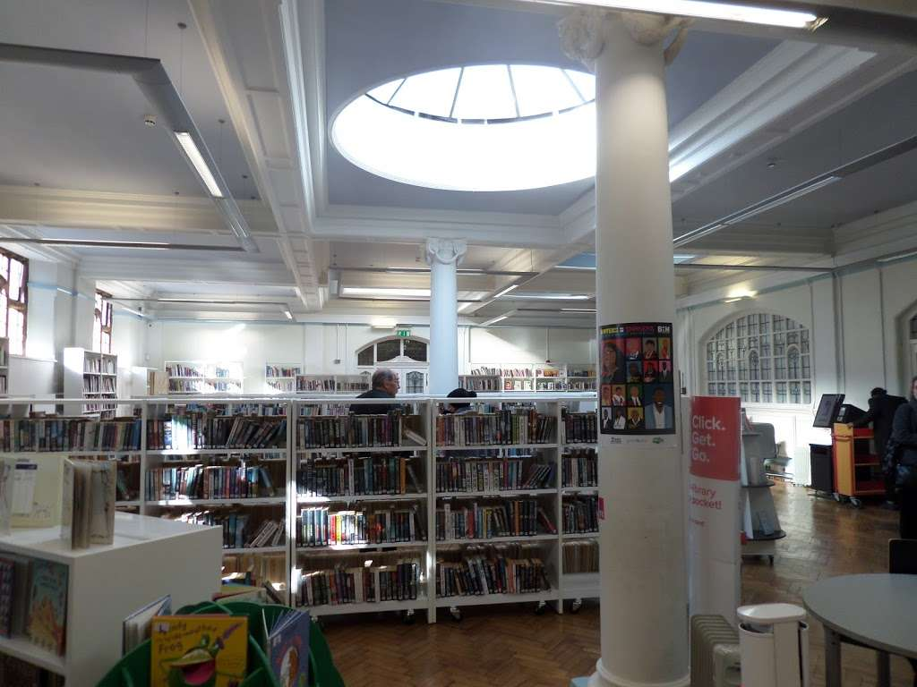Carnegie Library - library  | Photo 8 of 10 | Address: 188 Herne Hill Rd, Herne Hill, London SE24 0AG, UK | Phone: 020 7926 0750