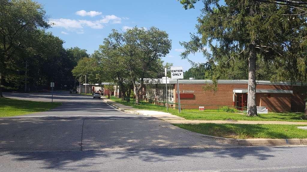 Wayside Elementary School - school  | Photo 3 of 7 | Address: 10011 Glen Rd, Potomac, MD 20854, USA | Phone: (240) 740-0240