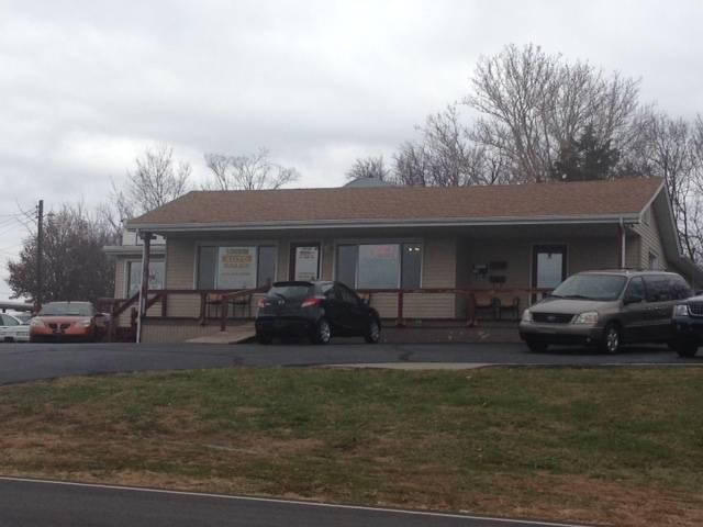 Stadium Auto LLC - car dealer  | Photo 1 of 5 | Address: 10812 East 39th St S, Independence, MO 64052, USA | Phone: (816) 313-0228
