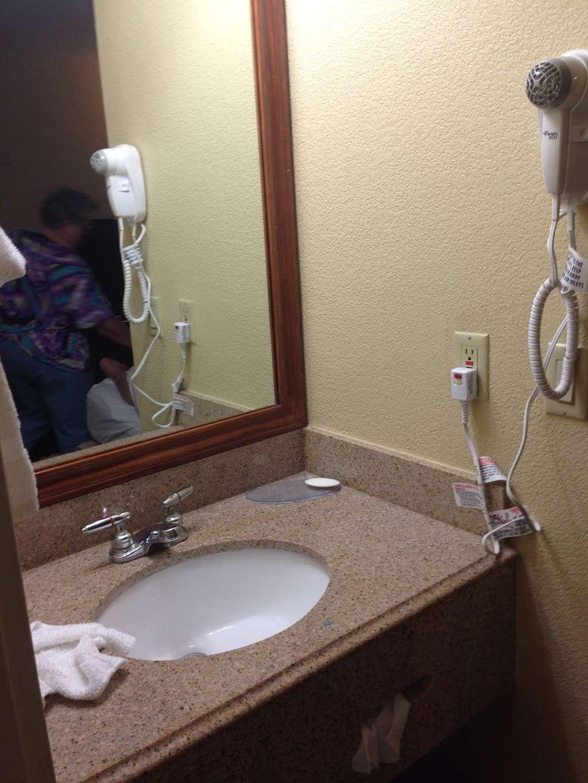 Quality Inn - lodging    Photo 4 of 10   Address: 5222 Interstate 10 E, Baytown, TX 77521, USA   Phone: (281) 421-7200