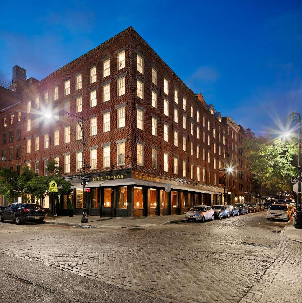 Bellini - restaurant  | Photo 4 of 10 | Address: 33 Peck Slip, New York, NY 10038, USA | Phone: (929) 263-0413