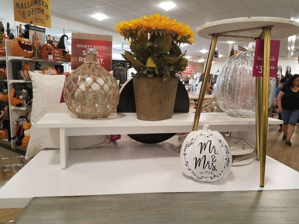 HomeGoods - department store  | Photo 1 of 10 | Address: 110 Lefante Way, Bayonne, NJ 07002, USA | Phone: (201) 339-2301