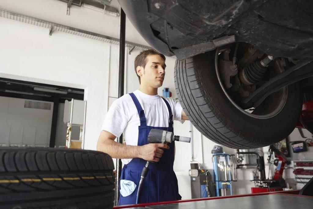Raaker Tire Service - car repair  | Photo 6 of 9 | Address: 1002 Park Ave, Newport, KY 41071, USA | Phone: (859) 292-0224