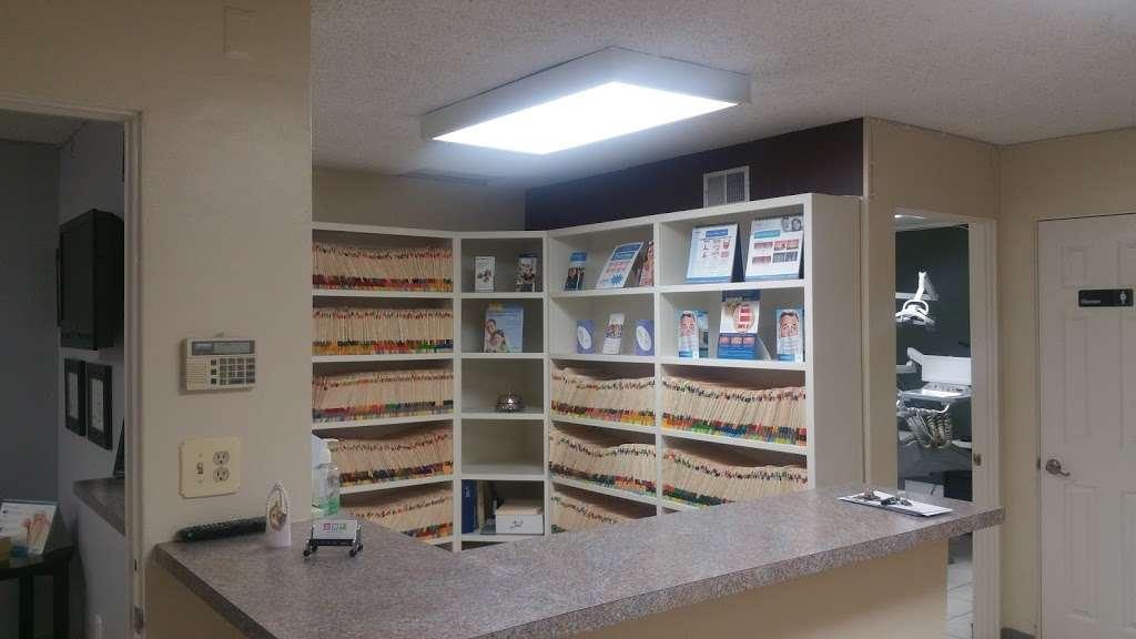 Kilzi Dental Corporation - dentist    Photo 4 of 9   Address: 1113 S Main St B, Corona, CA 92882, USA   Phone: (951) 739-0752