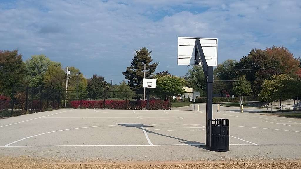Overlook Elementary School - school  | Photo 6 of 10 | Address: 2001 Old Welsh Rd, Abington, PA 19001, USA | Phone: (215) 657-0857