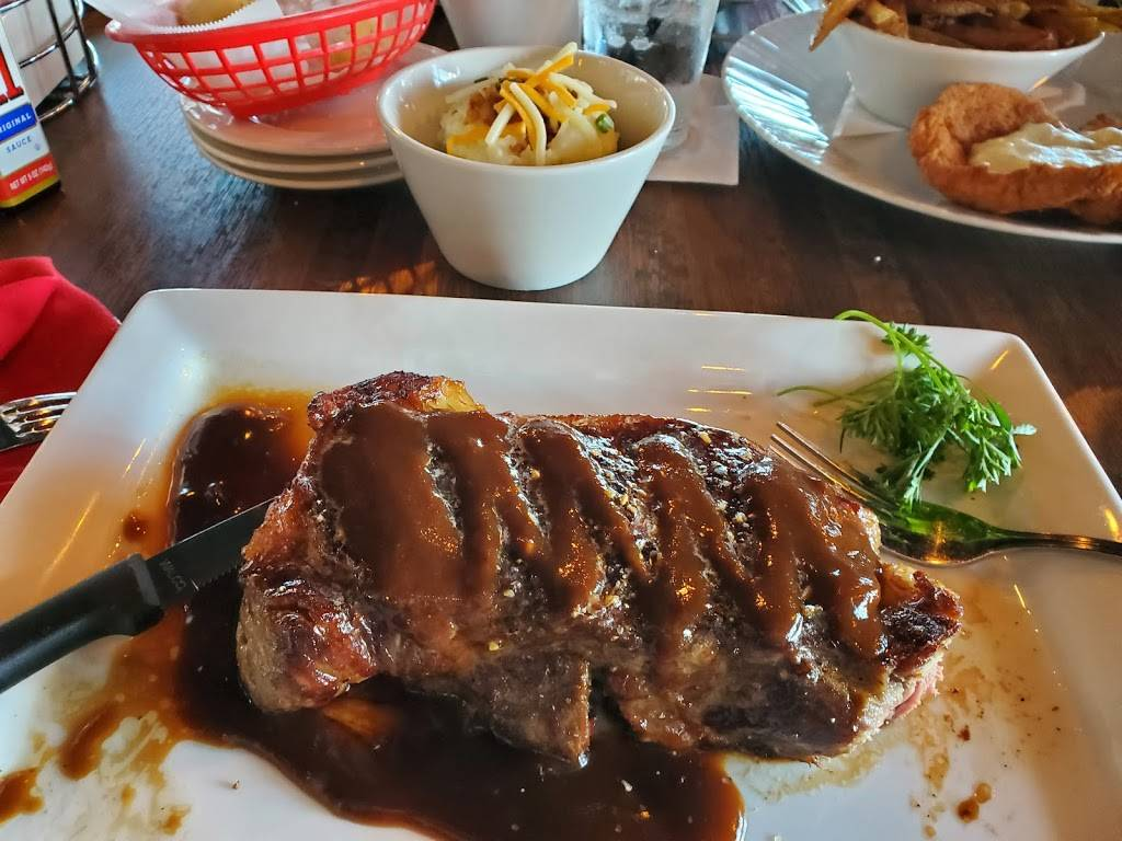 Austins Steaks and Saloon - restaurant  | Photo 2 of 7 | Address: 16920 Wright Plaza #118, Omaha, NE 68130, USA | Phone: (402) 800-3558