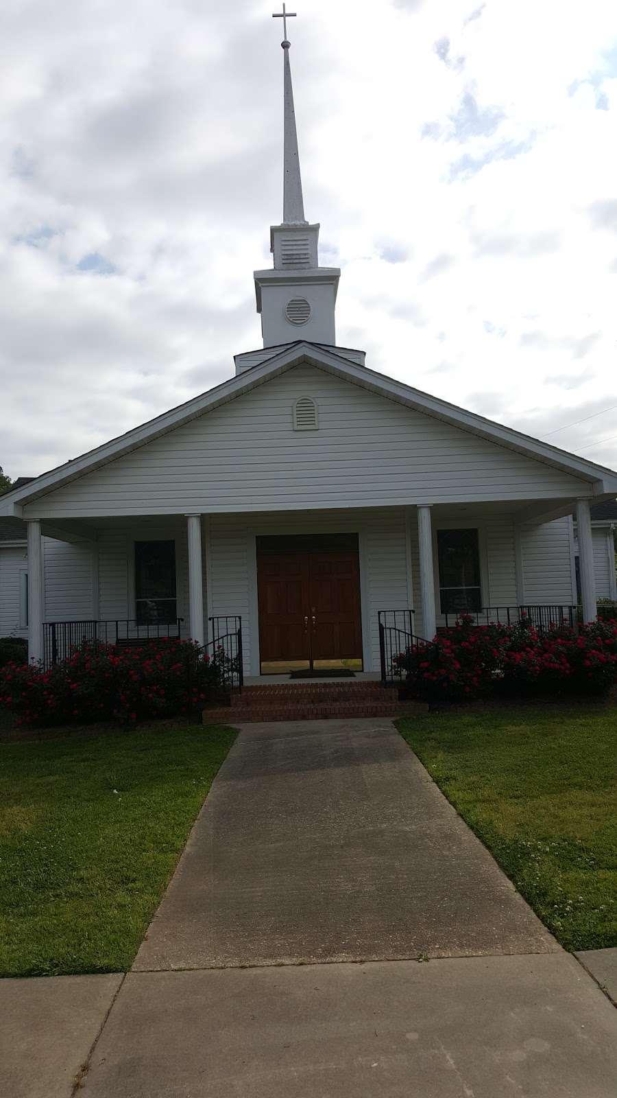 Oakdale Church - church  | Photo 1 of 1 | Address: 3304 NC-218, Polkton, NC 28135, USA