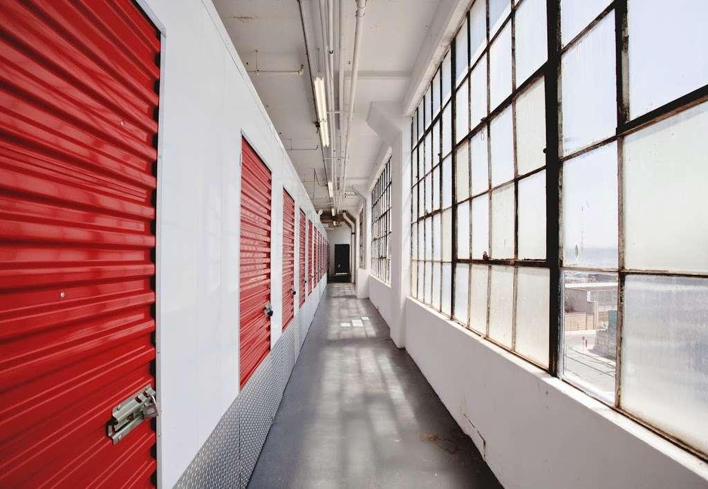 Moishes Self Storage - storage  | Photo 2 of 7 | Address: 930 Newark Ave, Jersey City, NJ 07306, USA | Phone: (201) 659-0669