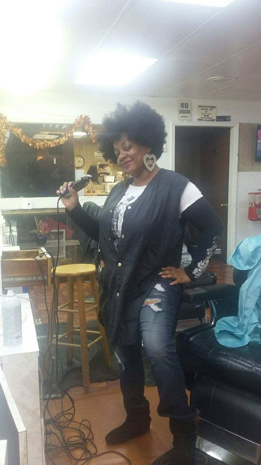 Adams & Sons Styling Center - hair care  | Photo 8 of 10 | Address: 1521 NE 23rd St, Oklahoma City, OK 73111, USA | Phone: (405) 427-3525