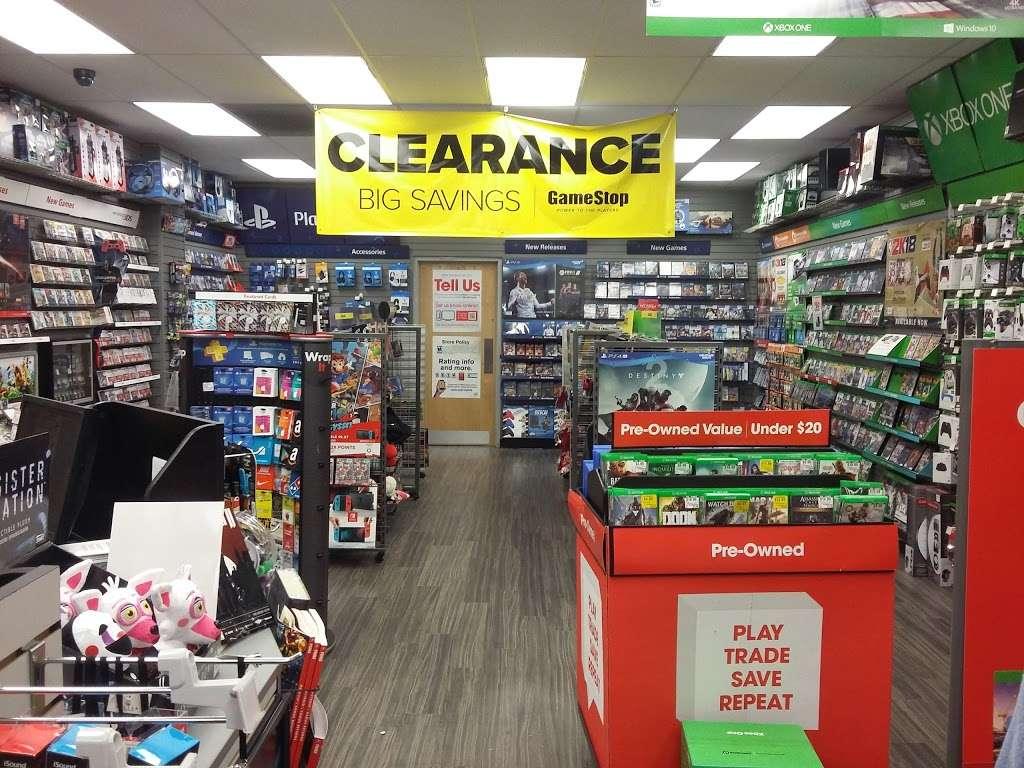 GameStop - electronics store  | Photo 2 of 10 | Address: 701 E Cathedral Rd #7, Philadelphia, PA 19128, USA | Phone: (215) 483-8889