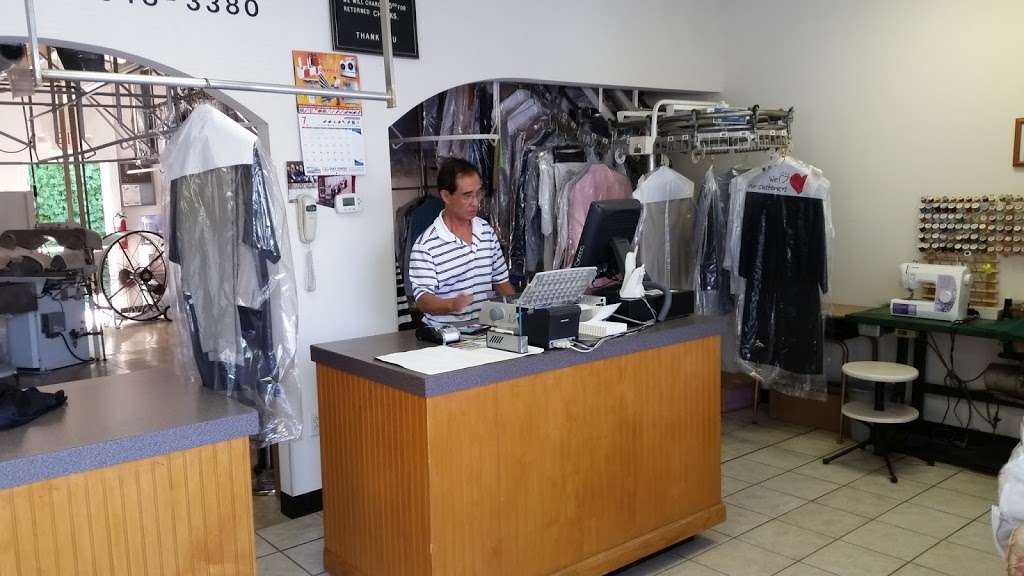 F M Cleaners - laundry  | Photo 2 of 2 | Address: 818 Tom Hall St # 102, Fort Mill, SC 29715, USA | Phone: (803) 548-3380