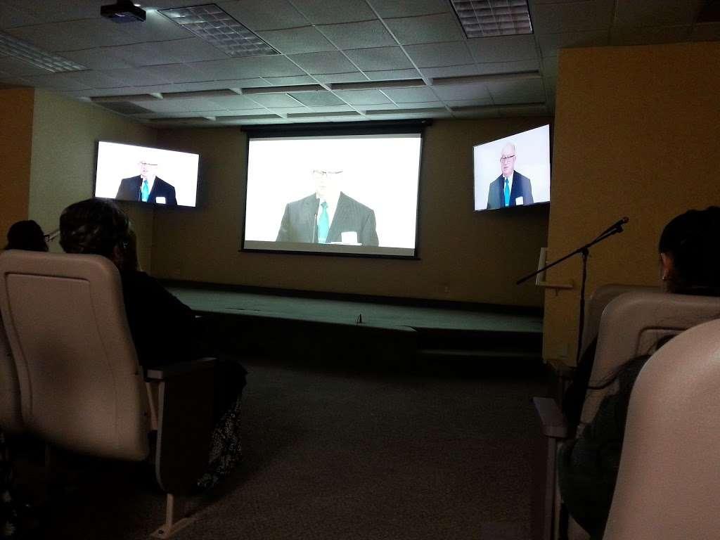 Kingdom Hall of Jehovah's Witnesses - church  | Photo 8 of 10 | Address: 12121 Atlantic Ave, Lynwood, CA 90262, USA | Phone: (310) 635-9056