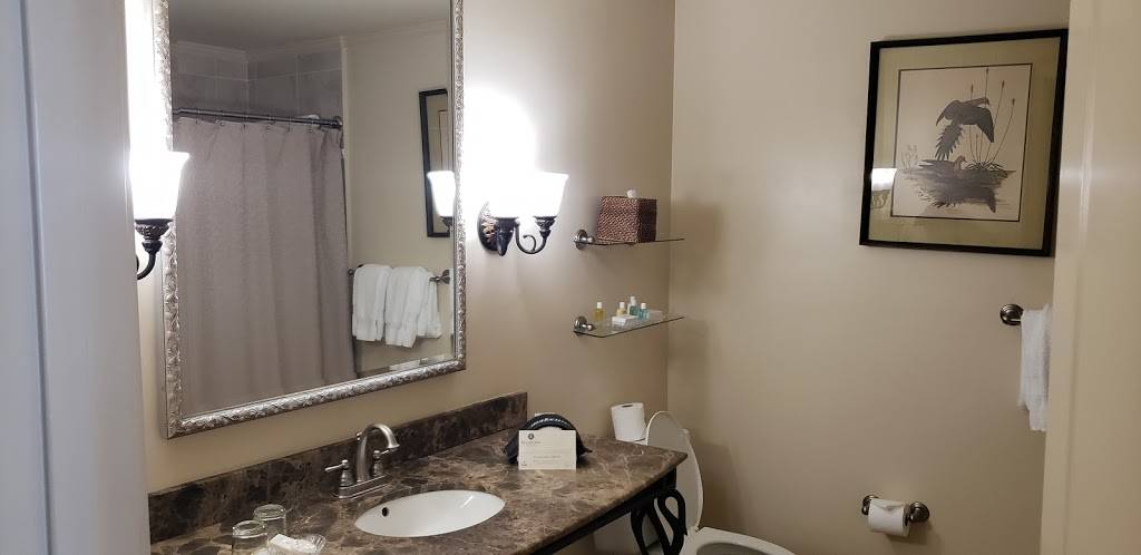 The River Inn of Harbor Town - lodging    Photo 3 of 10   Address: 50 Harbor Town Square, Memphis, TN 38103, USA   Phone: (901) 260-3333