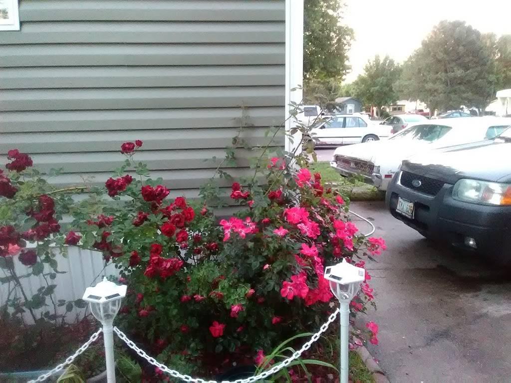 Heritage Oaks Mobile Home Park - rv park  | Photo 6 of 10 | Address: 2720 N 2nd St, Lincoln, NE 68521, USA | Phone: (402) 475-5572