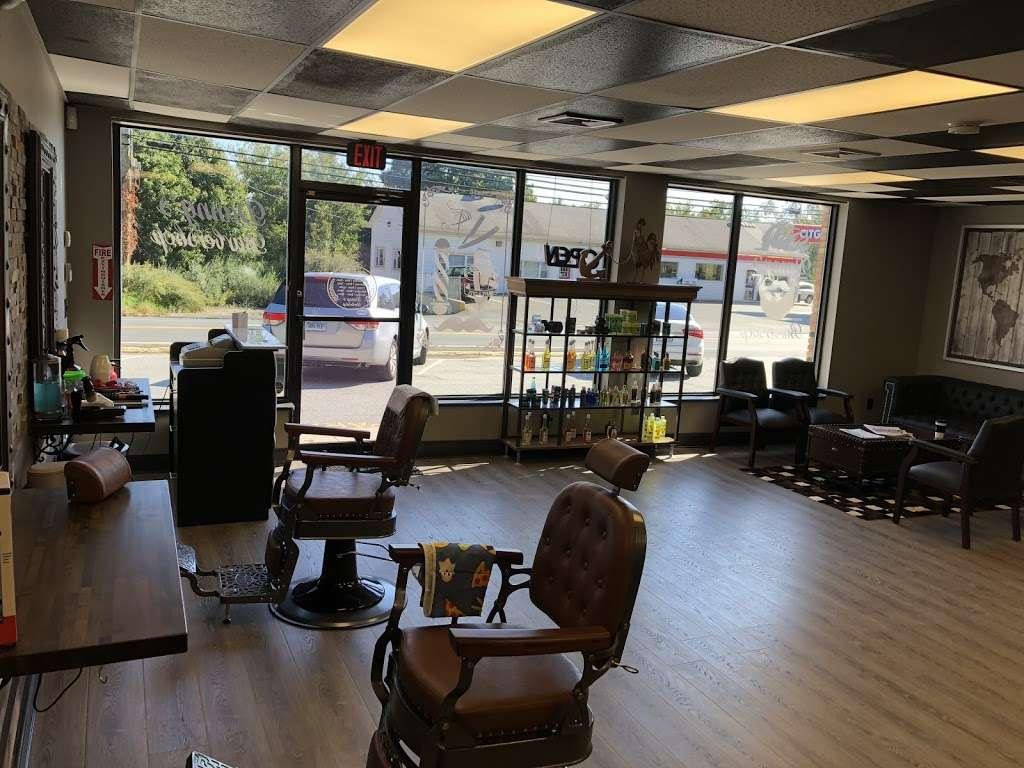 Danny's barbershop - hair care  | Photo 1 of 10 | Address: 150 S Main St, Newtown, CT 06470, USA | Phone: (203) 304-1632