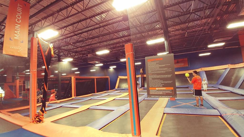 Sky Zone Trampoline Park - amusement park  | Photo 3 of 10 | Address: 1572-A, Highwoods Blvd, Greensboro, NC 27410, USA | Phone: (336) 550-1800