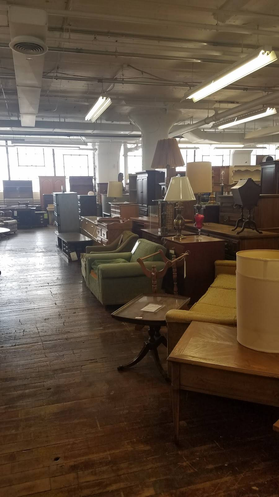 VNTG Home - furniture store  | Photo 3 of 10 | Address: 1235 Marquette St #1, Cleveland, OH 44118, USA | Phone: (216) 505-4322