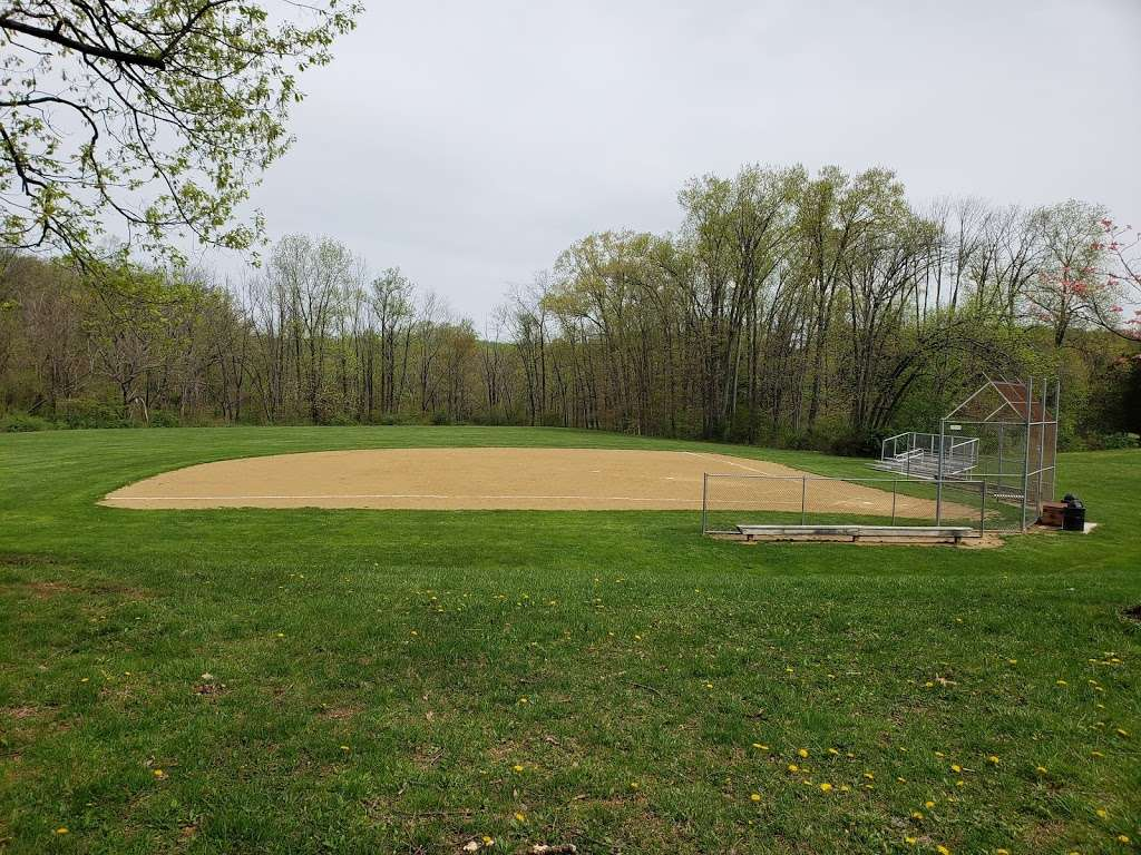 Southeastern Park - park  | Photo 4 of 10 | Address: 2675 Wassergass Rd, Hellertown, PA 18055, USA | Phone: (610) 865-3291