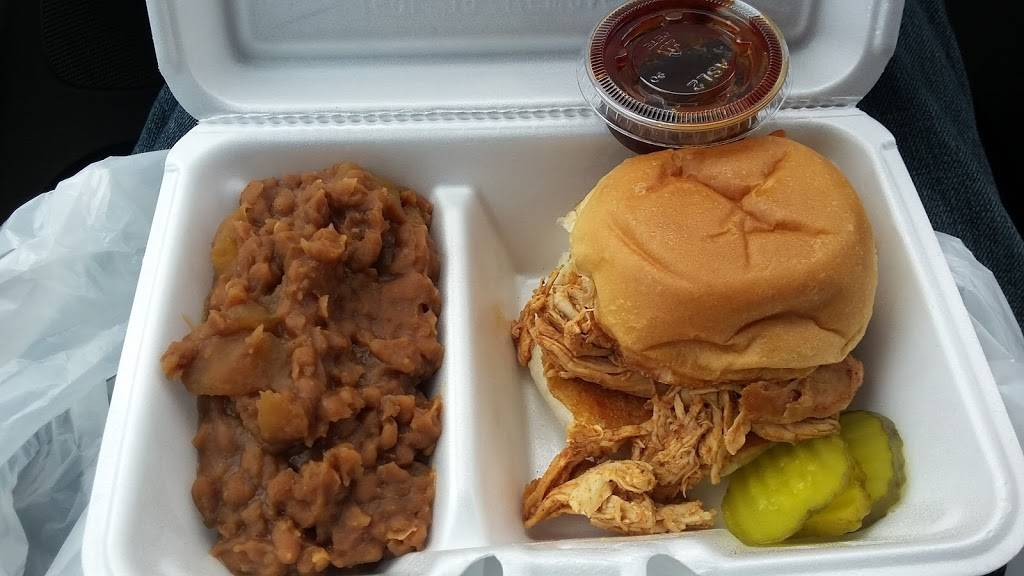 Blue Collar BBQ - restaurant  | Photo 2 of 9 | Address: 4115 Woodland Rd, Circle Pines, MN 55014, USA | Phone: (651) 493-8589