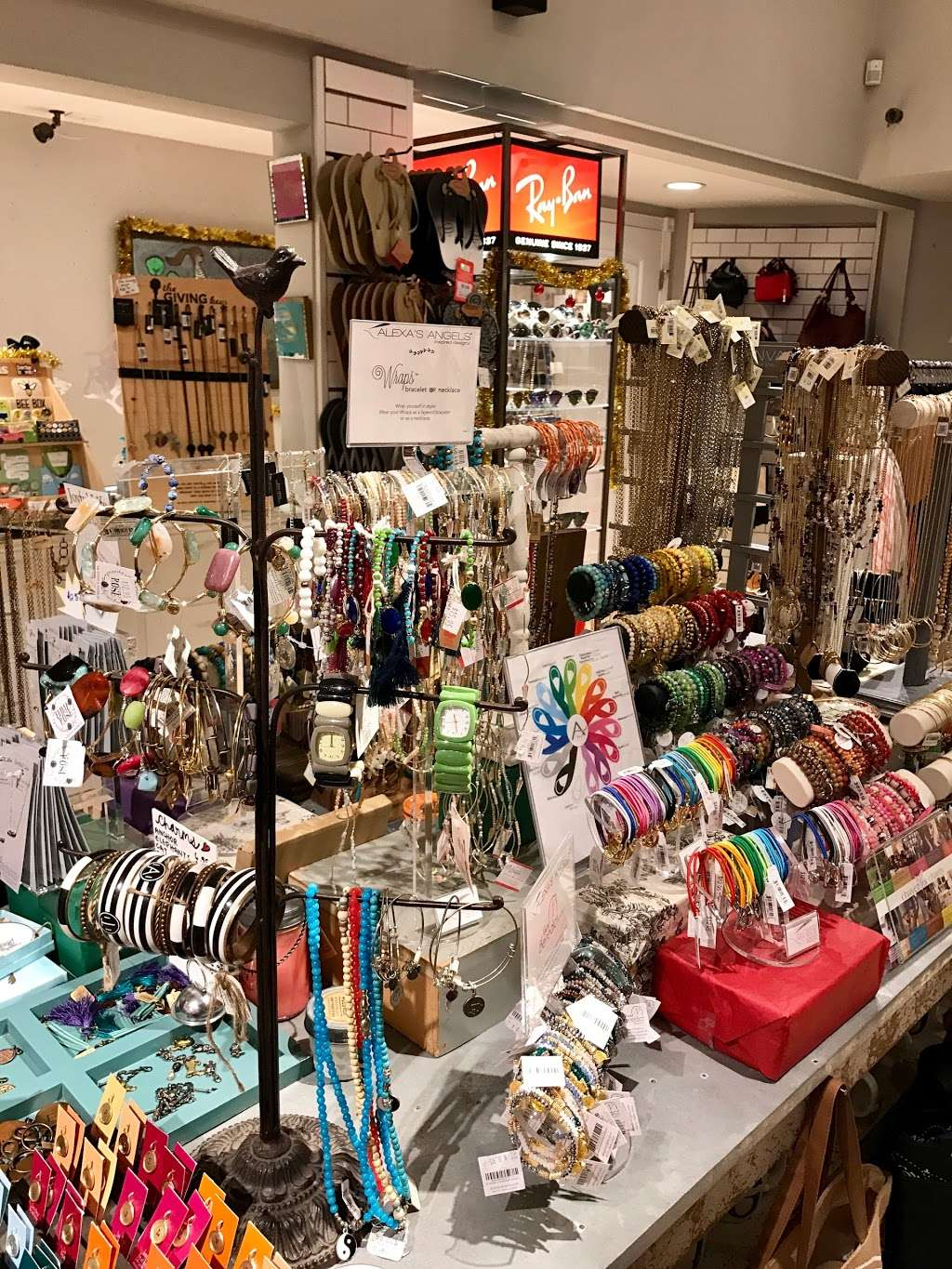Urban Girl Accessories - clothing store  | Photo 3 of 10 | Address: 837 W Harbor Dr Suite A, San Diego, CA 92101, USA | Phone: (619) 231-8845