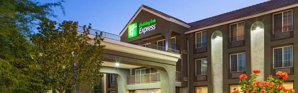 Holiday Inn Express Lancaster - lodging  | Photo 1 of 10 | Address: 43719 17th St W, Lancaster, CA 93534, USA | Phone: (661) 951-8848