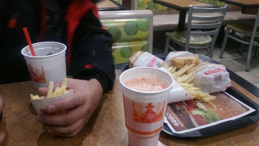 Burger King - restaurant    Photo 8 of 10   Address: 490 US-46, South Hackensack, NJ 07606, USA   Phone: (201) 641-5534