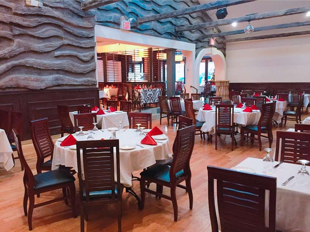 Ambrosio Italian Restaurant & Banquet Hall - restaurant  | Photo 8 of 10 | Address: 2071 Clove Rd, Staten Island, NY 10304, USA | Phone: (718) 524-7174